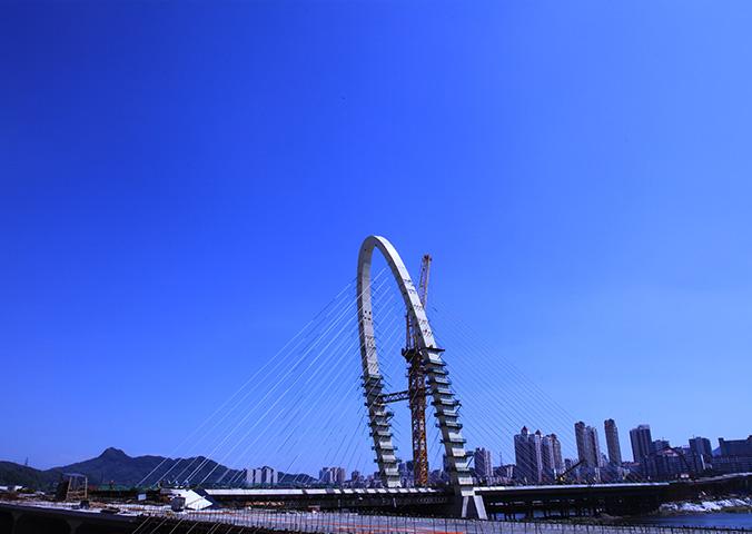 丹东跨太子河斜拉桥